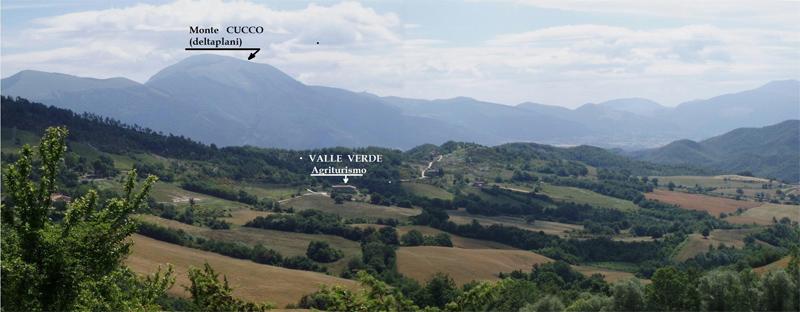 Agriturismo Valle Verde - Deltaplano Monte Cucco - Mount Cucco Hang-gliding
